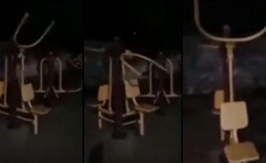 """Mashtrim apo e vërtetë? """"Fantazma"""" regjistrohet duke bërë stërvitje (Video)"""
