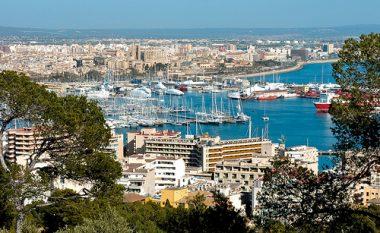 Familja shqiptare kërkon azil në Palma De Mallorca
