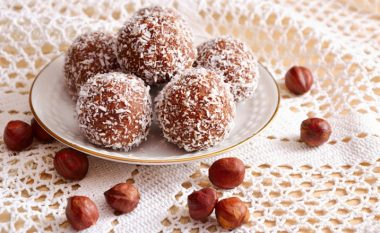 Çokollata 'Raffaello': toptha më të shijshëm për vetëm 15 minuta!