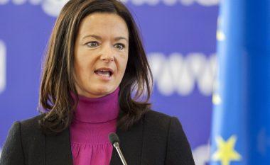 Vera afat tepër ambicioz për heqjen e vizave për kosovarët