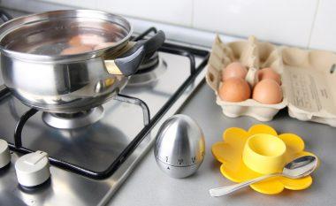 Ushqim i shëndetshëm: Sa kohë duhet të zihen vezët për të qenë të ngrënshme?