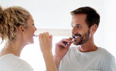 Pastrimi i dhëmbëve mund të parandalojë diabetin