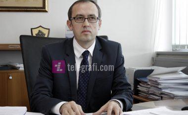 Ministri Hoti i jep shtytje firmosjes së jashtëligjshme të kontratave 12-milionëshe