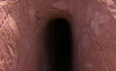 Njeriu që kaloi 25 vjet duke gdhendur në shpellë (Video)