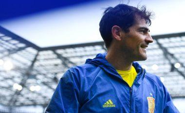 Këto fotografi të Casillas në fund të takimit do t'iu përlotin