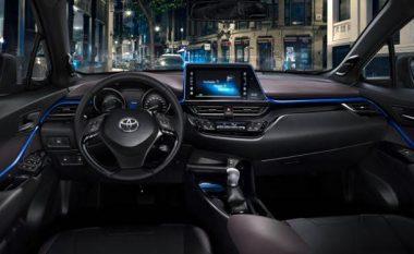"""Toyota C-HR vetëm me """"touchscreen"""" (Foto)"""
