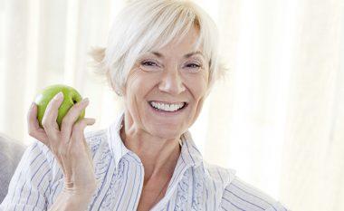 Ushqimet që ndihmojnë gratë në procesin e plakjes