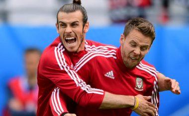 Lojtari i Uellsit rrezikon të humbë dasmën e vëllait falë suksesit në Evropian