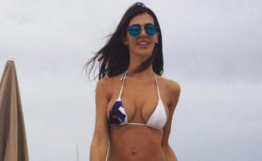 Xhemajli me gruan seksi relaksohet në Itali (Foto)