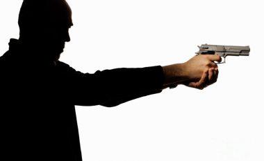 """Te """"Hani i Dilit"""" në Prishtinë, plagos me armë djalin e axhës (Video)"""