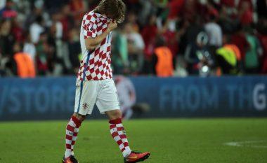 Në fotografi: Dëshpërimi i kroatëve dhe gëzimi i portugezëve