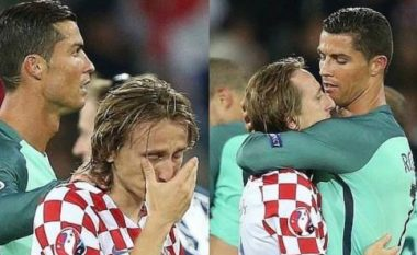 Ronaldo i madh, e ngushëllon Modricin i cili nuk u përmbahet lotëve (Foto)