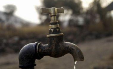 Banorët e fshatit të Mustafinës pas 23 viteve bëhen me ujësjellës (Video)