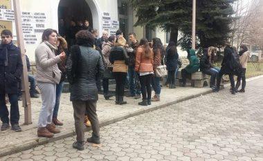 Sot protestohet para Rektoratit të UP-së