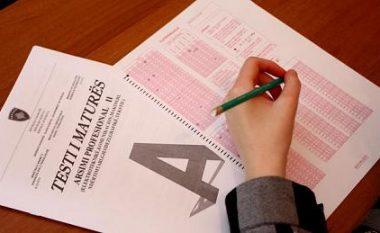 Testin e Maturës e kaluan mbi 70 për qind të maturantëve