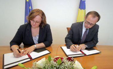 MF nënshkruan garancinë shtetërore për Trafikun Urban