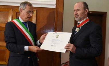 Kryetari i Qytetit të Shkupit dekorohet për Komandant i rendit të Yllit në Itali (Foto)