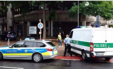 Arrestohet personi i dyshuar që hyri me armë në zyrat në Këln, nuk raportohet për viktima (Foto)