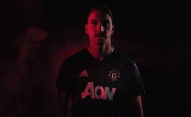 Zyrtare: Unitedi e prezanton Ibrahimovicin (Video)