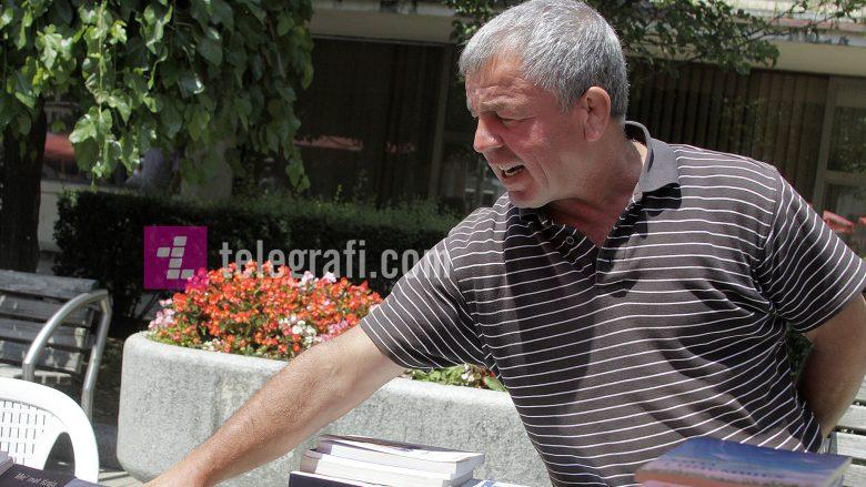 """Njeriu që sot shet libra, dikur """"dridhte"""" Jugosllavinë"""