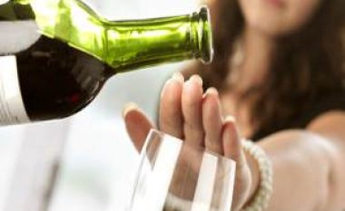Gjërat që i ndodhin trupit kur e lini alkoolin për një muaj