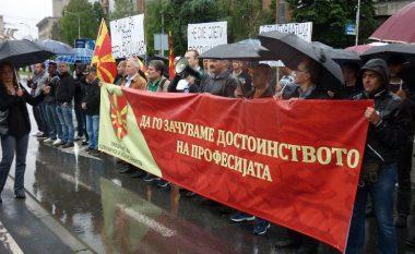 Ushtarët profesionistë kërcënohen me grevë nëse nuk zgjidhet problemi me transportin