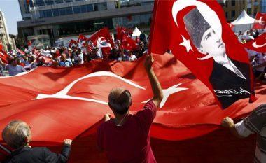 Autoritetet turke lëshojnë urdhëresë për arrestimin e 42 gazetarëve