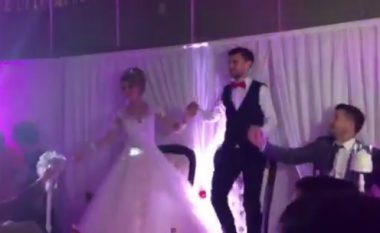 Admir Mehmedi e 'kalli' në dasmën e tij, kërcen mbi tavolina (Video)
