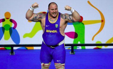 Braziliani kërkon medaljen duke ngrënë sa më shumë ushqim