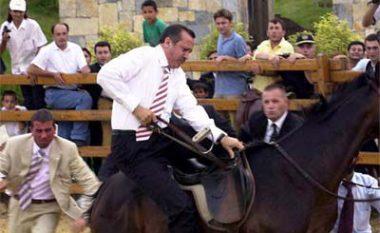 Kështu ishte rrëzuar Erdogani nga kali (Video)