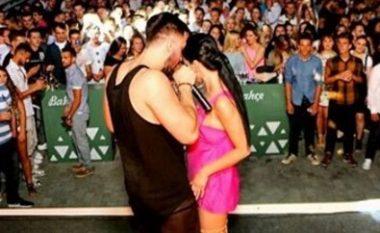 Samanta dhe Genti provokojnë fansat gjatë koncerteve (Foto)