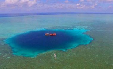 Zbulohet gropa më e thellë nënujore në botë, për të cilën askush nuk e di çfarë fshihet brenda saj (Foto/Video)