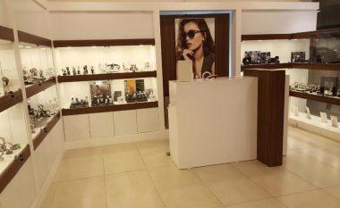 iAs Watches & Jewelry: Në dyqanin e ri, orët dhe syzet origjinale vijnë me super-zbritje (Foto)