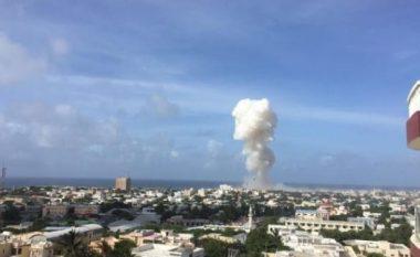 Shpërthim i madh në kryeqytetin e Somalisë