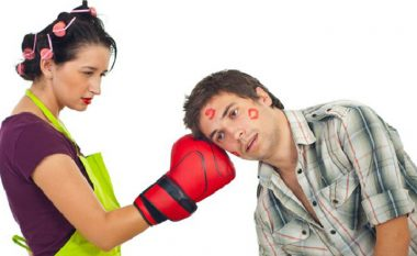 E dini se çka u pengon meshkujve tek femrat? Katër gjëra të cilat i bëjnë femrat, ndërkaq meshkujt nuk i duan