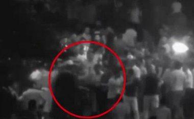 Pamje të rënda: Ushtari turk vret veten, nuk pranoi të qëllonte civilët (Video +18)