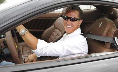 Del në shitje Mercedesi i Schumacherit (Foto)