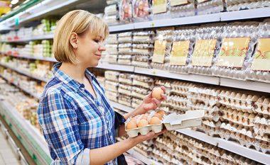 E vërteta (e hidhur) e vezëve që blini në dyqan