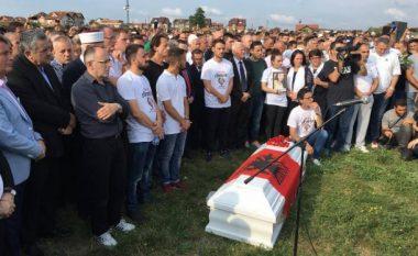 Familja Zabërgja dhe Segashi bashkë në varrimet e fëmijëve të tyre (Foto)