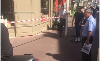 Theret me thikë në fyt një police në Francë (Video)