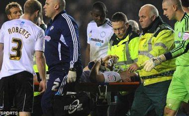 Historia e dhimbshme e lojtarit që bëri pesë operacione, 30 intervenime në gju, pushoi katër vite e gjysmë dhe prapë iu rikthye futbollit (Foto, +16)