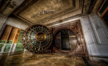 Fotografi mahnitëse tregojnë pjesën e brendshme të një kasaforte (Foto)