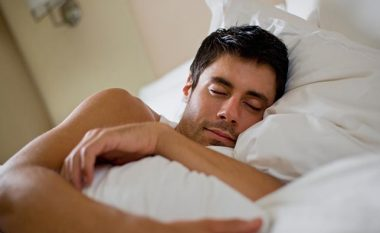 Patjetër duhet lexuar: Djersitja gjatë natës NUK është NORMALE!