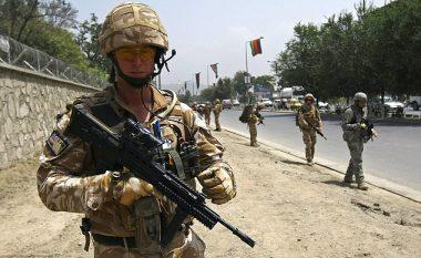 Ushtarët rrezikojnë burgun, nëse nuk shkojnë me rregull te dentisti (Foto)