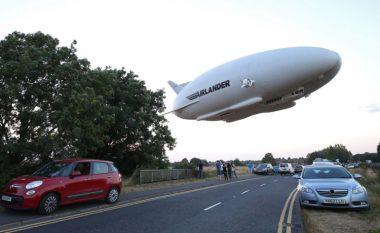 Aeroplani më i madh në botë rrëzohet një javë pas inaugurimit (Foto/Video)