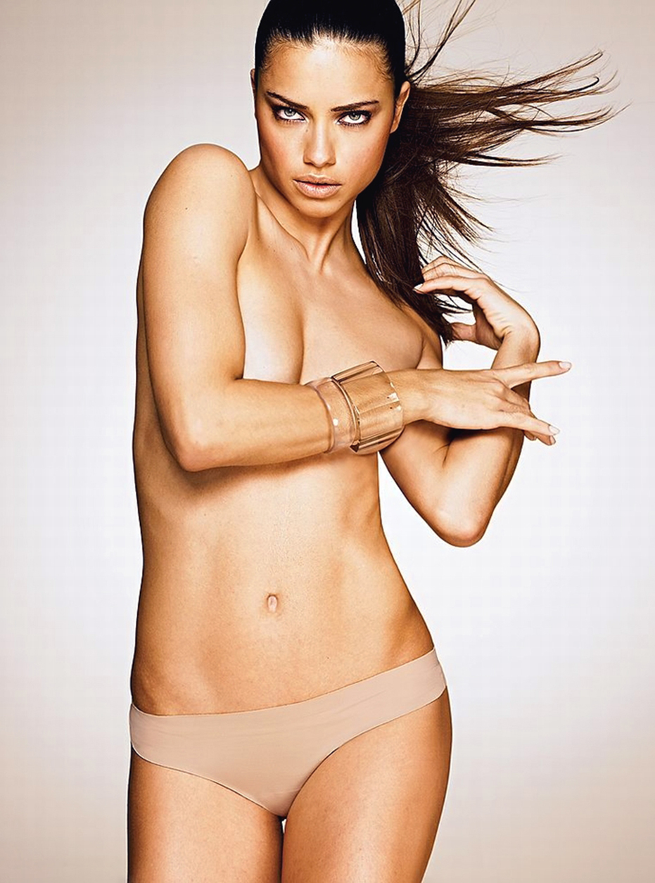 CPE/November 4, 2011 - Brazilian model Adriana Lima in the photoshoot for Victoria´s Secret lingerie October catalogue.