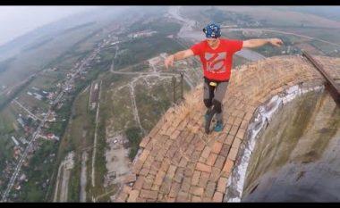Shikojeni deri ku shkon dëshira për aventurë (Video)