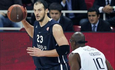 Basketbollisti shqiptar menaxher i Los Angeles Clippers