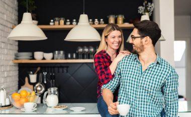 Gjërat që duhet t'i bëni me partnerin si të zgjoheni