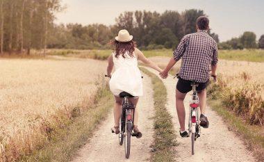 E konfirmon shkenca: Këto katër gjëra i kanë të përbashkëta çiftet e lumtura